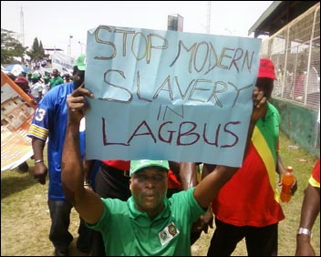 Lagbus protester in Lagos - photo Socialist Democracy