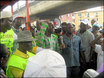 Soweto addressing the audience at Ojuelegba - photo DSM