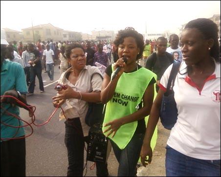 Women at Jan 2012 struggle - photo DSM