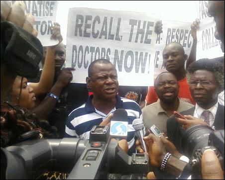 Abiodun Aremu, JAF Secretary, addressing journalists and protesters - photo DSM