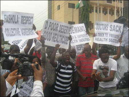 Abiodun Aremu, JAF Secretary, addressing protesters and journalists - photo DSM