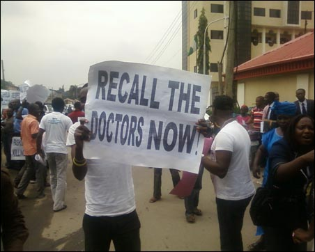 Solidarity demo for striking Lagos Doctors, organised by the Joint Action Front (JAF ) - photo DSM