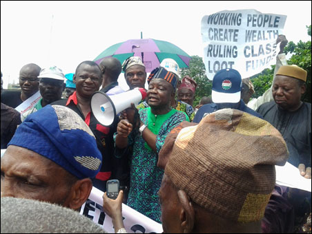 Segun Sango,  DSM General Secretary, addressing the rally - photo DSM
