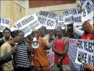 Hassan Taiwo Soweto while flagging off protest at NLC - photo DSM
