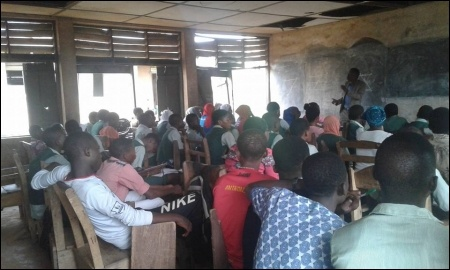 Prof Kolawole, HOD Teacher Education, University of Ibadan, giving a class - photo DSM
