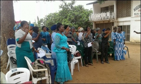 Singing solidarity song in celebration of women's day in Ibadan - photo DSM