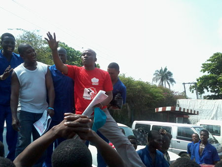 Chinedu Bosah Publicity Secretary CDWR addressing the workers, photo by DSM