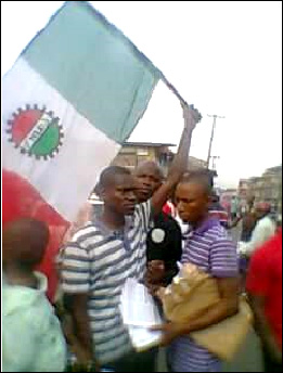 Uche with other comrades  during mobilisation for January  2015 General Strike and Mass Protest - photo DSM