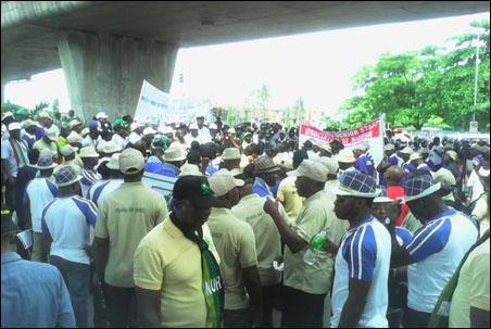 Ajaero's faction May Day Rally at Under Bridge opposite  National Stadium Surelere Lagos - photo DSM