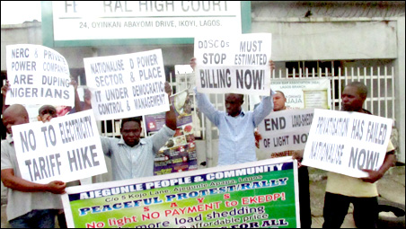 Protesters at Federal High Court Lagos against planned  increase in electricity tariff, photo DSM