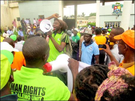 Dagga addressing the rally in Lagos - photo DSM