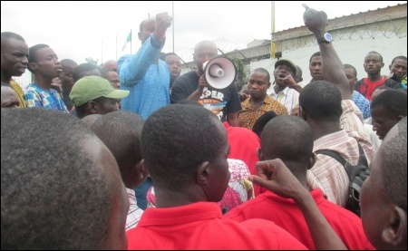 Chinedu Bosah, CDWR Publicity Secretary, addressing the   protesting workers - photo DSM