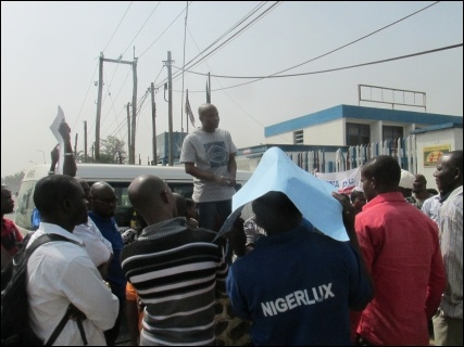 Chinedu Bosah, CDWR Publicity Secretary addressing the  protesting workers - photo DSM